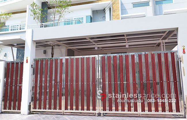 ประตูสแตนเลสแบบพับหน้าบ้านทาวน์โฮม