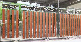 ประตูรั้วติดลายประดับสแตนเลสบานซ้อน